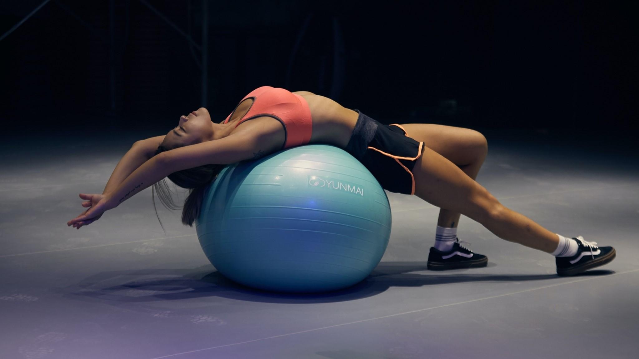 コアバランスストレッチを効率的に行うための体の使い方